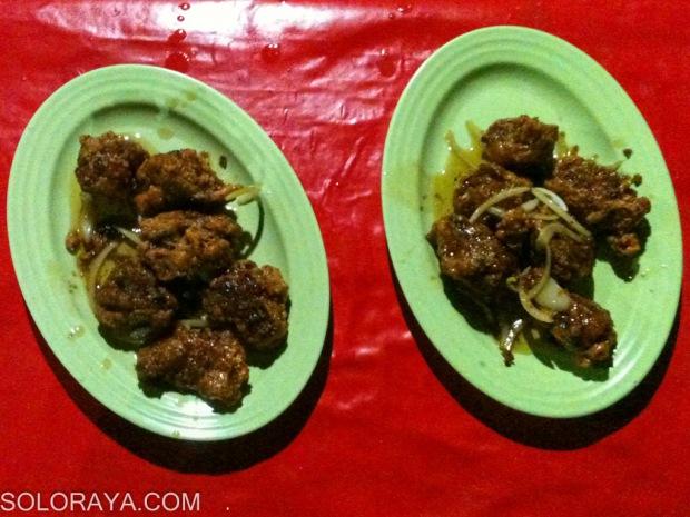 "Ayam Goreng Mentega di warung Pak Jarno ""Koki Cilik"""