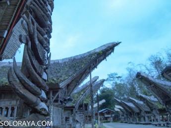 Tongkonan, rumah adat Tana Toraja (Zezen)
