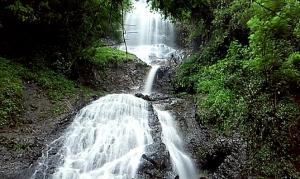 Air Terjun Banyunibo Dlingo