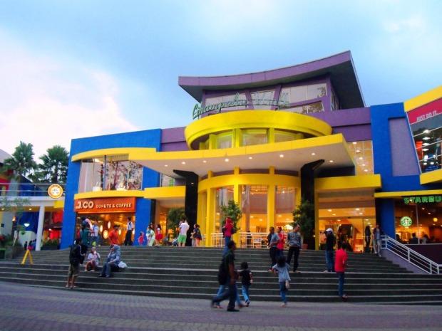 Ciwalk, Tempat Wisata Belanja Murah di Bandung