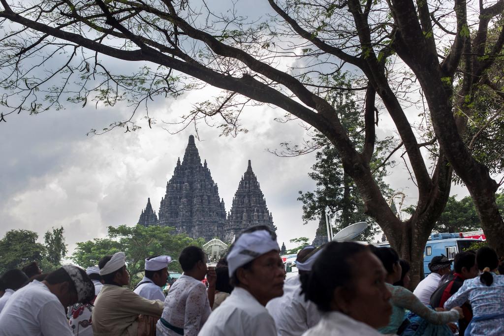 Ribuan umat Hindu Jateng-DIY ikuti Tawur Agung di Prambanan