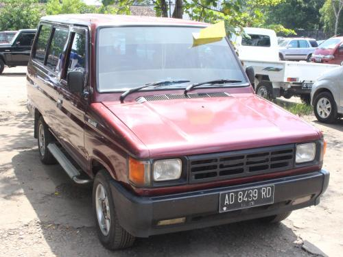 Toyota Kijang second