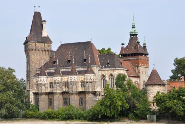 Budapest_Vajdahunyad_Castle_R01