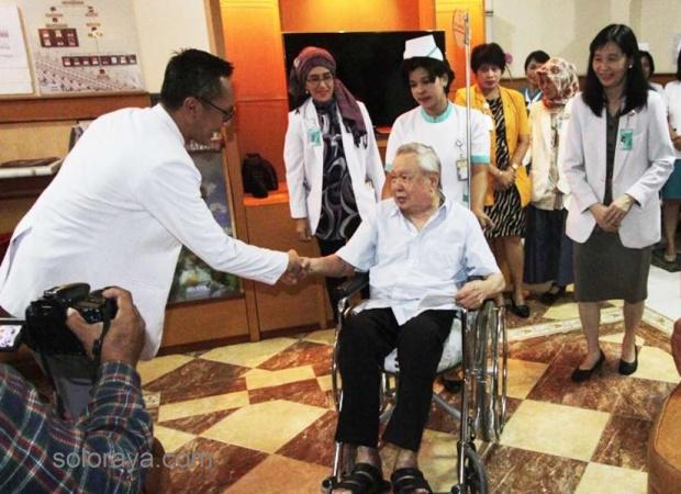 Dr Lo - dokter tanpa tarif
