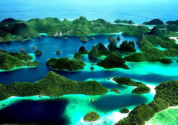 pemandangan-pulau-wayag-raja-ampat