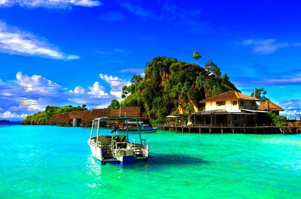 Wisata_Papua_pulau batanta di raja ampat
