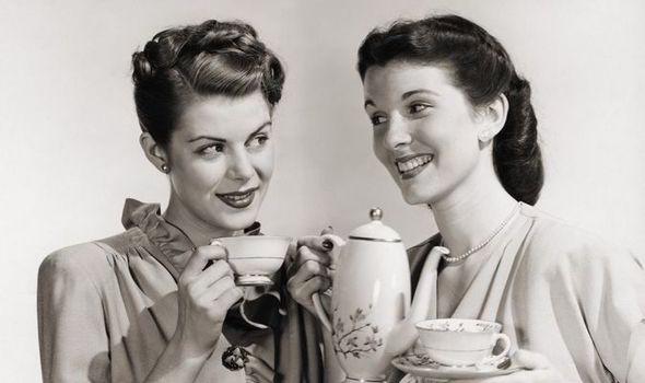 Drinking-Tea-Feature-529175