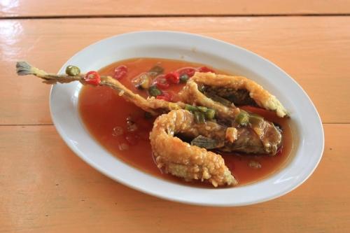 0701san1-kuliner-lele-saus-thailand